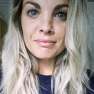 Portræt af Josefine Jørgensen, blogger på fitfoodbyfine.dk